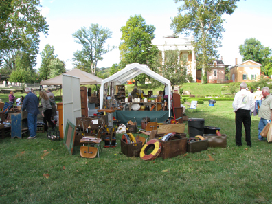 lanier_antique_market
