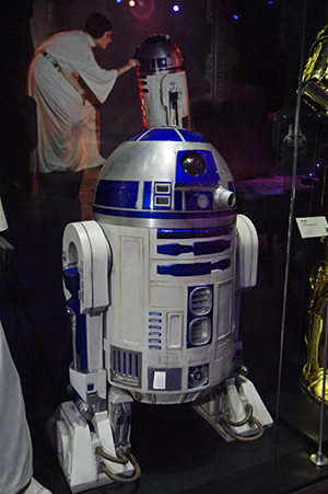 robot_RobotAreaIntroR2_D2_Small